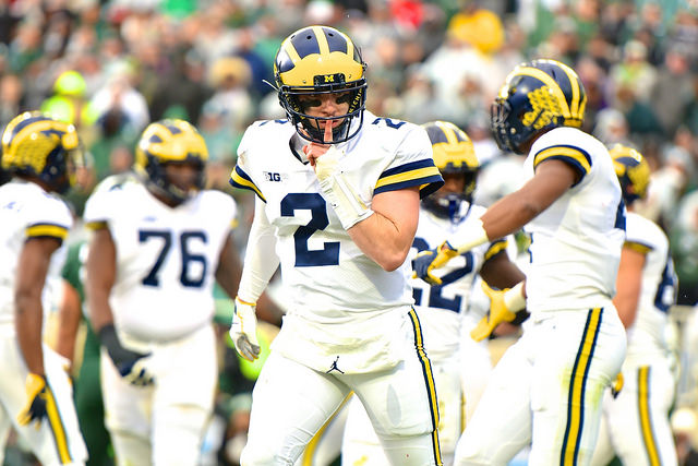 Shea Patterson shushes Michigan State crowd