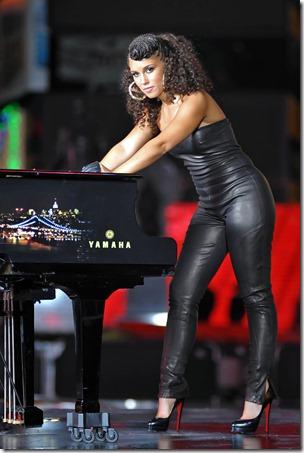 Alicia Jay Z film New York video TLH4a_E0tfHx