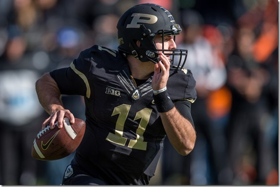 November 7, 2015: Purdue University quarterback David Blough (11) during a NCAA football game between the Purdue Boilermakers and Illinois Fighting Illini at Ross-Ade Stadium in West Lafayette, IN. (Photo by Zach Bolinger/Icon Sportswire)