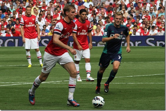 Flickr_-_Ronnie_Macdonald_-_Per_Mertesacker_^_Seb_Larsson[1]