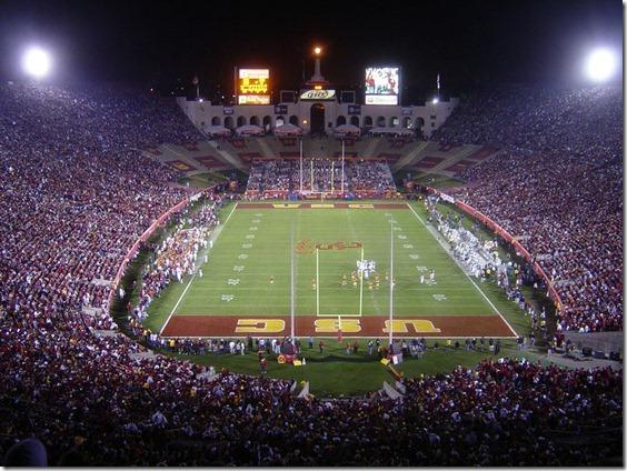 800px-11-11-06-LA-Coliseum-USC-UO[1]