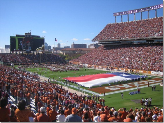 800px-Memorial_Stadium_Pregame[1]