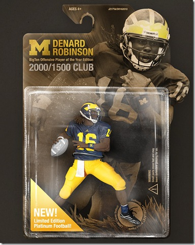michigan-football-wallpaper-2010-denard-robinson-player-of-the-year-thumb2