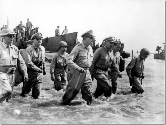 Douglas_MacArthur_lands_Leyte1[1]