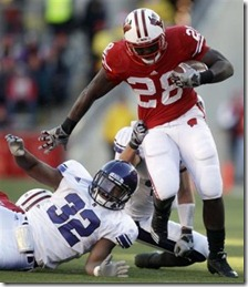 855202506-wisconsin-running-montee-ball-28-breaks-touchdown-run-during-first[1]