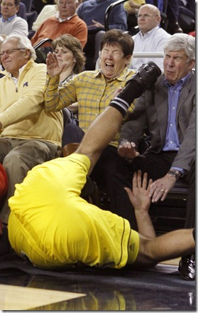 BKC--T25-Michigan-Courtside Governor