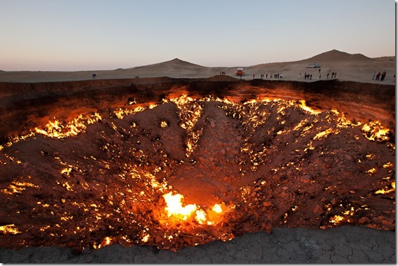 Golden-Eagle-Silk-Road-The-Door-to-Hell-in-Darvaza-Turkmenistan[1]
