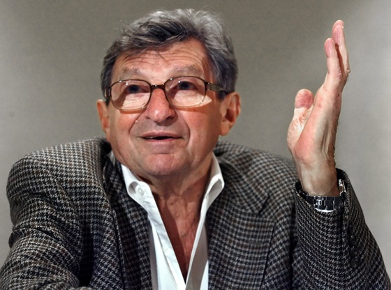 paterno guys Before the premiere of hbo's 'paterno,' here's what you need to know about joe paterno.