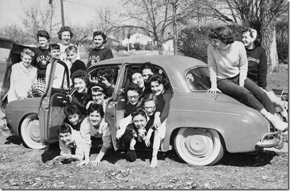 50s-era-sorority-members-cramming-into-a-renault