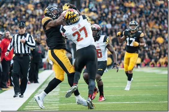 8895364-tevaun-smith-alvin-hill-ncaa-football-maryland-iowa-850x560